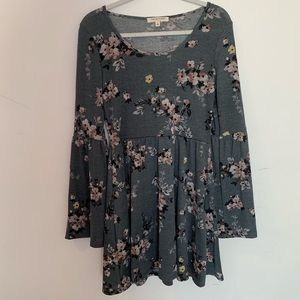 NWOT Anthro Bell Sleeve Floral Dress
